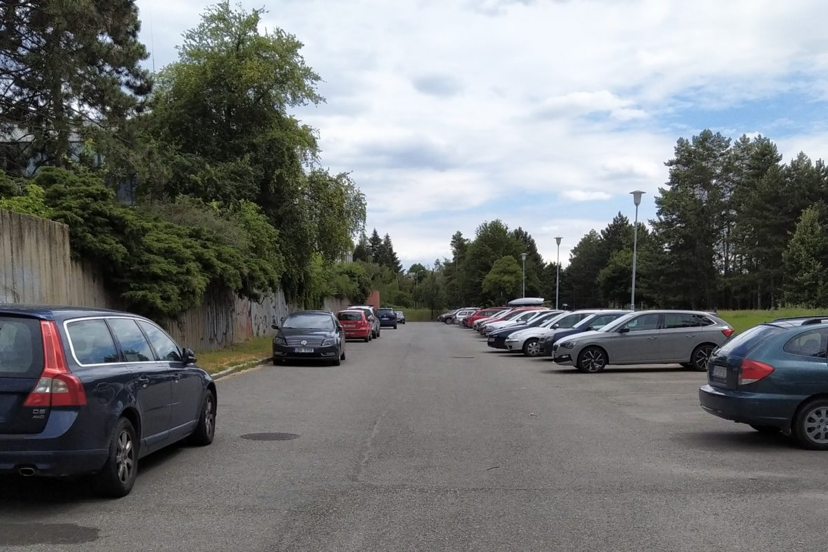 Bezbariérové parkování.